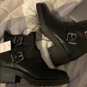 Black boots size 9 women's